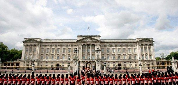 britain-queens-billsjpg-717e286af9e9b0fb