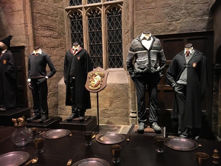 Tylypahka, Lontoo, London, koulu, Harry Potter, tuvat, koulupuku