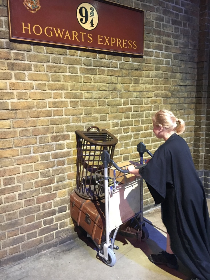 Hogwart, 9 3/4, Tylypahka, juna-asema, Tylypahkan pikajuna, Lontoo, London, studio