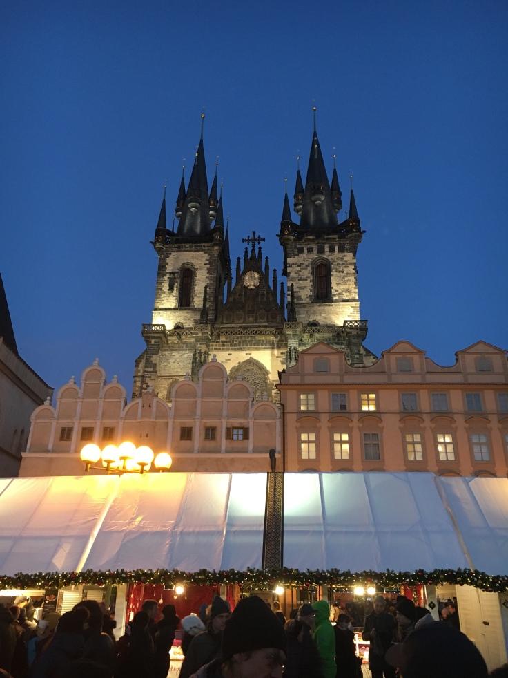 Týnin Marian kirkko, vanhakaupunki, Staré Mesto, Praha, joulutori, Eurooppa, jouluvalot